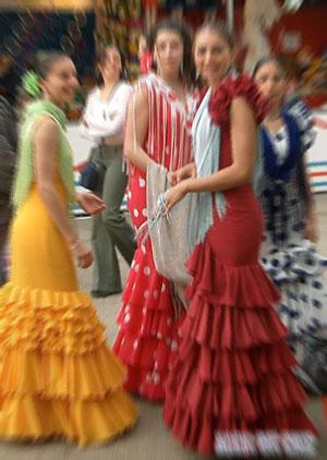 femmes en robes flamencas