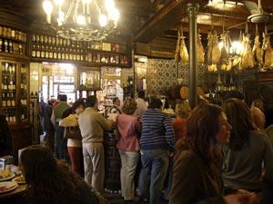 El Rinconcillo, il bar piú antico di Siviglia, del 1670!